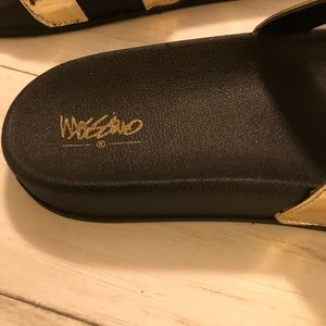 Mossimo Supply Co. Shoes - Mossimo size 7. Sandals